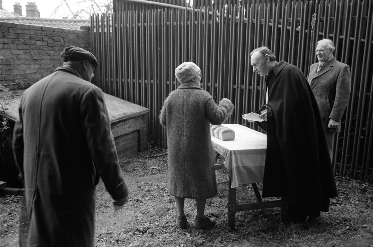 011 George Carlows Charity Woodbridge Suffolk. ENGLAND 1970s TRADITIONAL BRITISH CUSTOM_