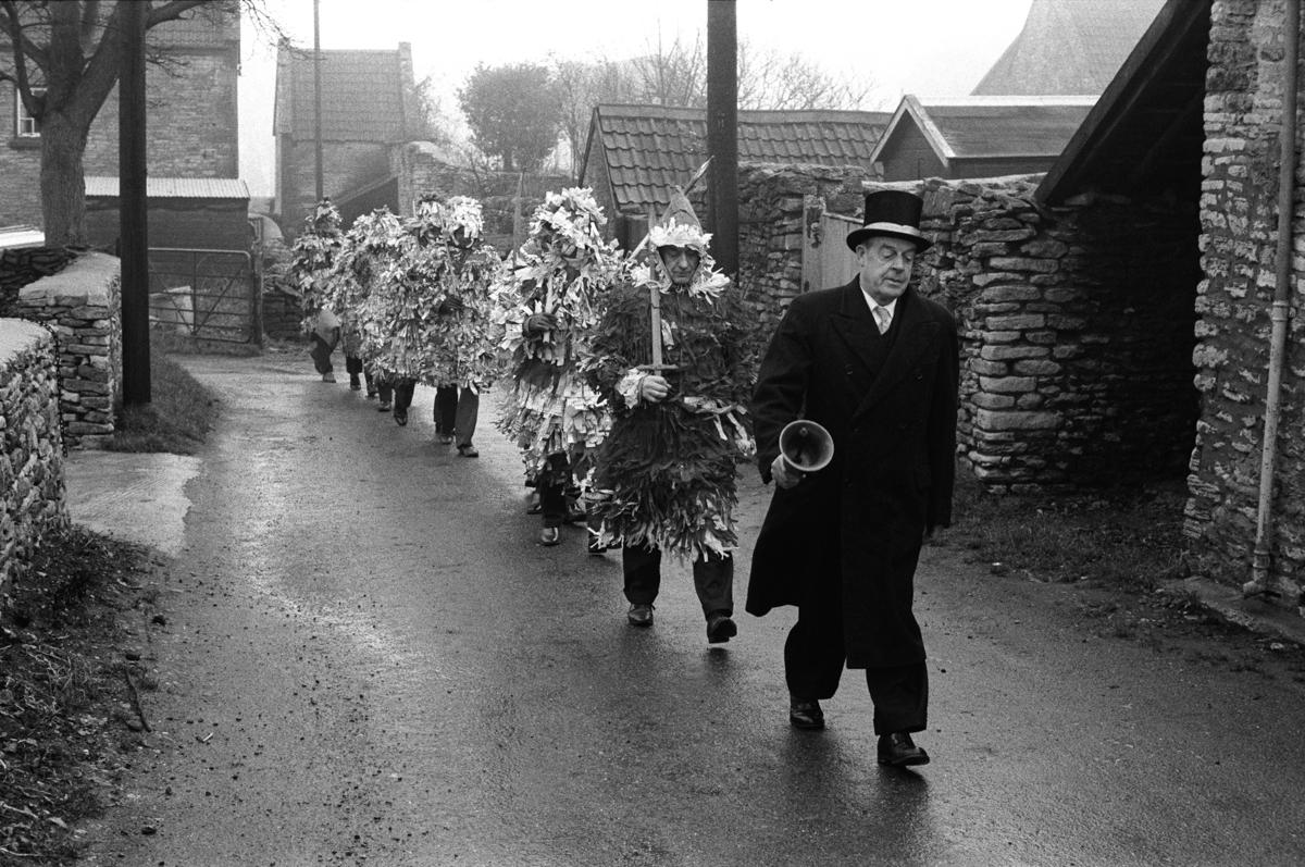 Marshfield Paperboys, a traditional English Christmas village pl