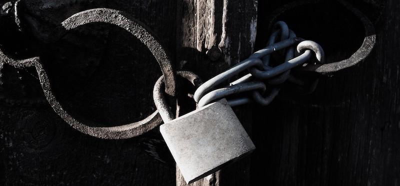 how to open the locked door in life support prey