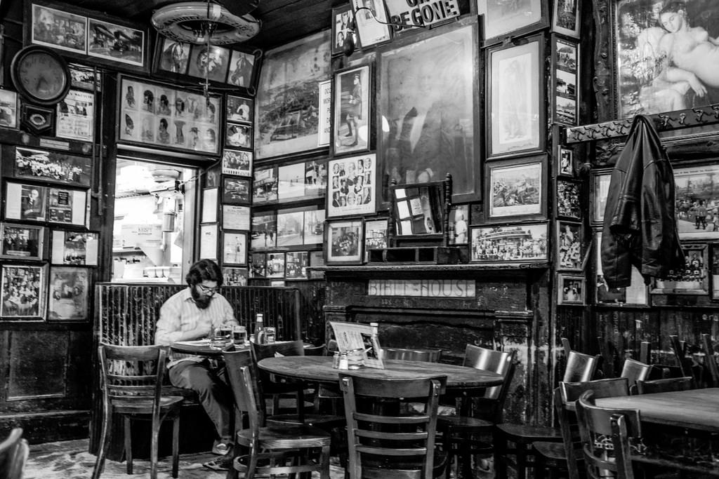 20 Years Of The Same Prank Call At A Legendary Nyc Bar Literary Hub