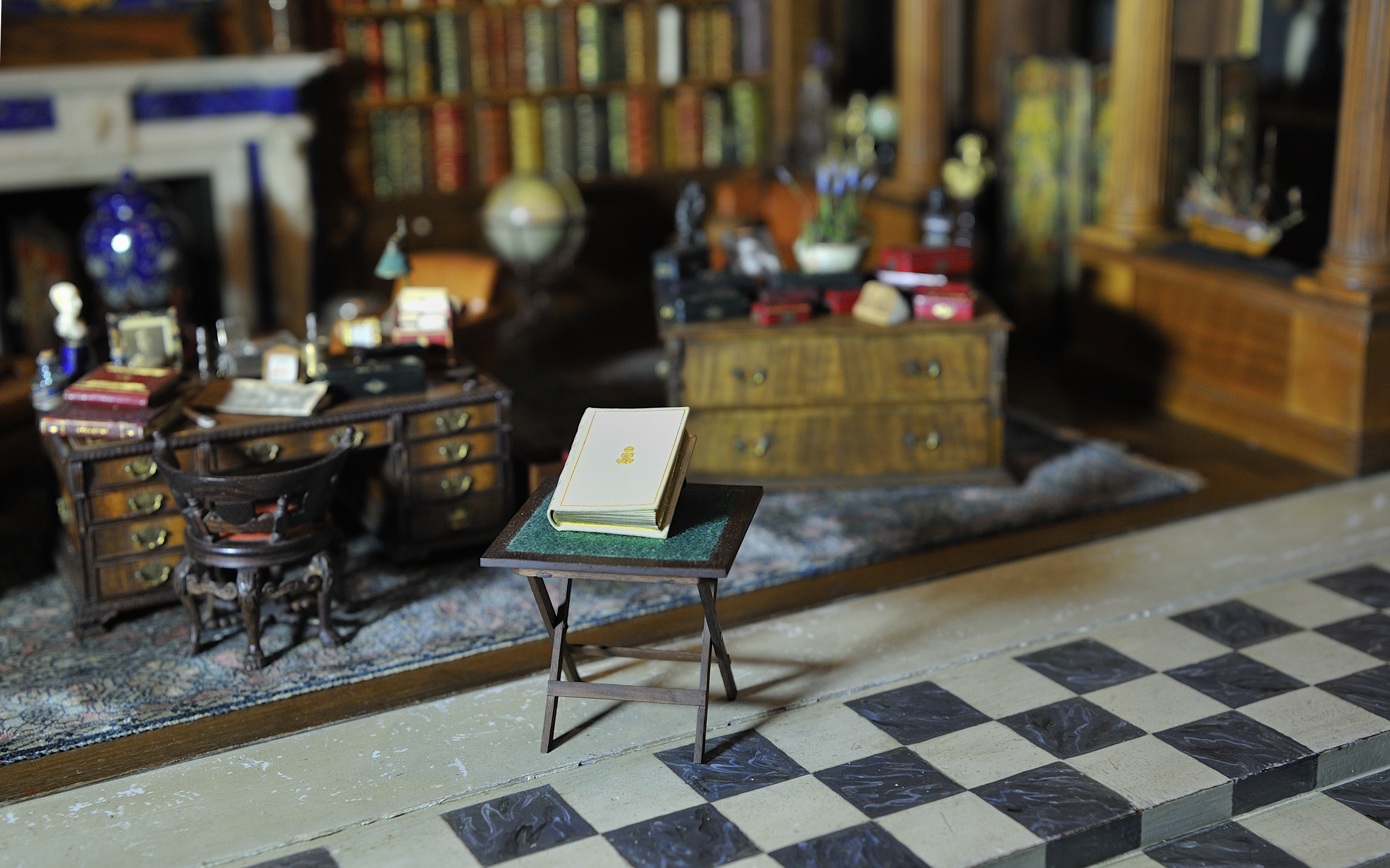 A Note of Explanation Queen Mary's Dollhouse