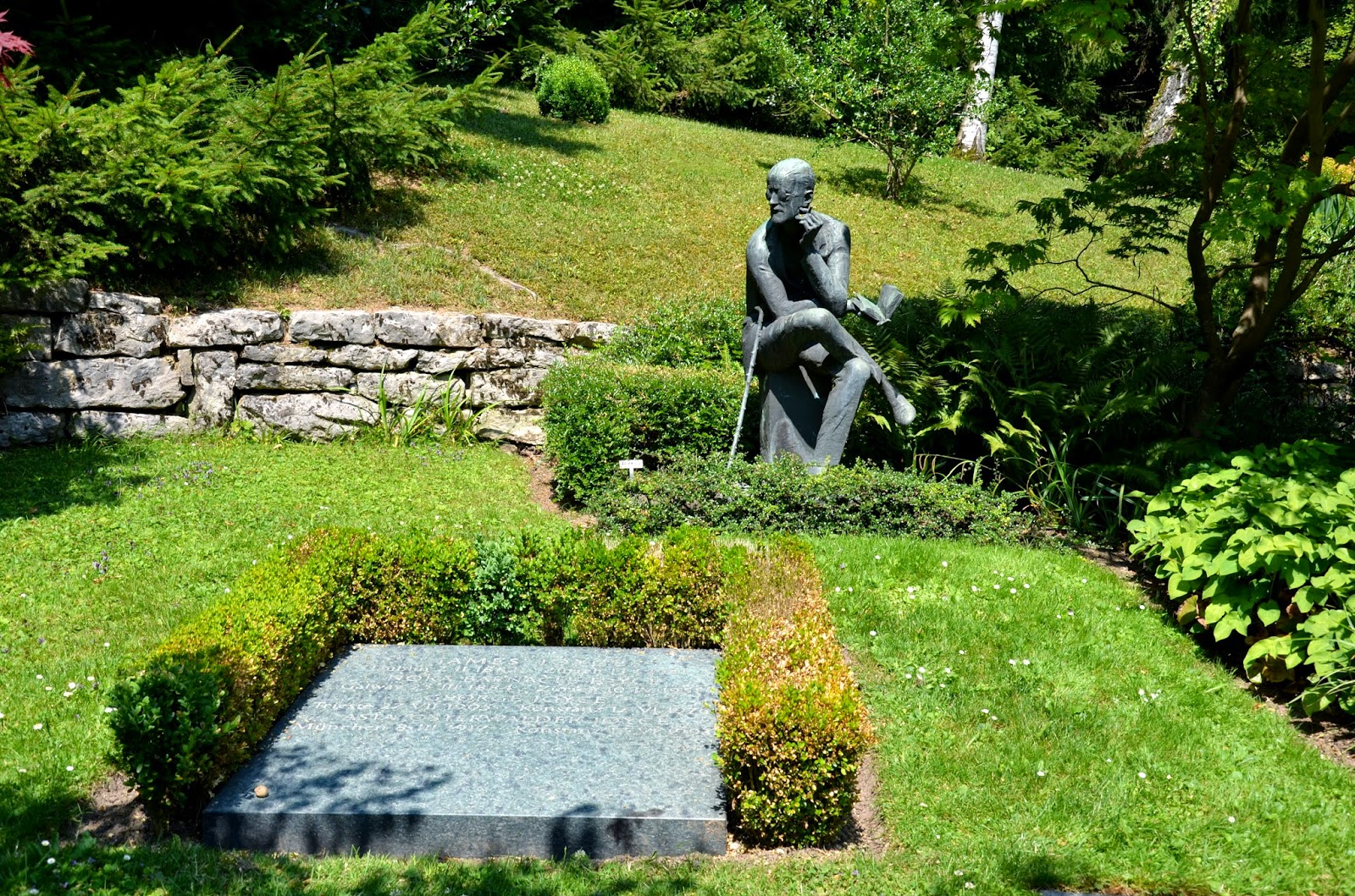 james joyce grave