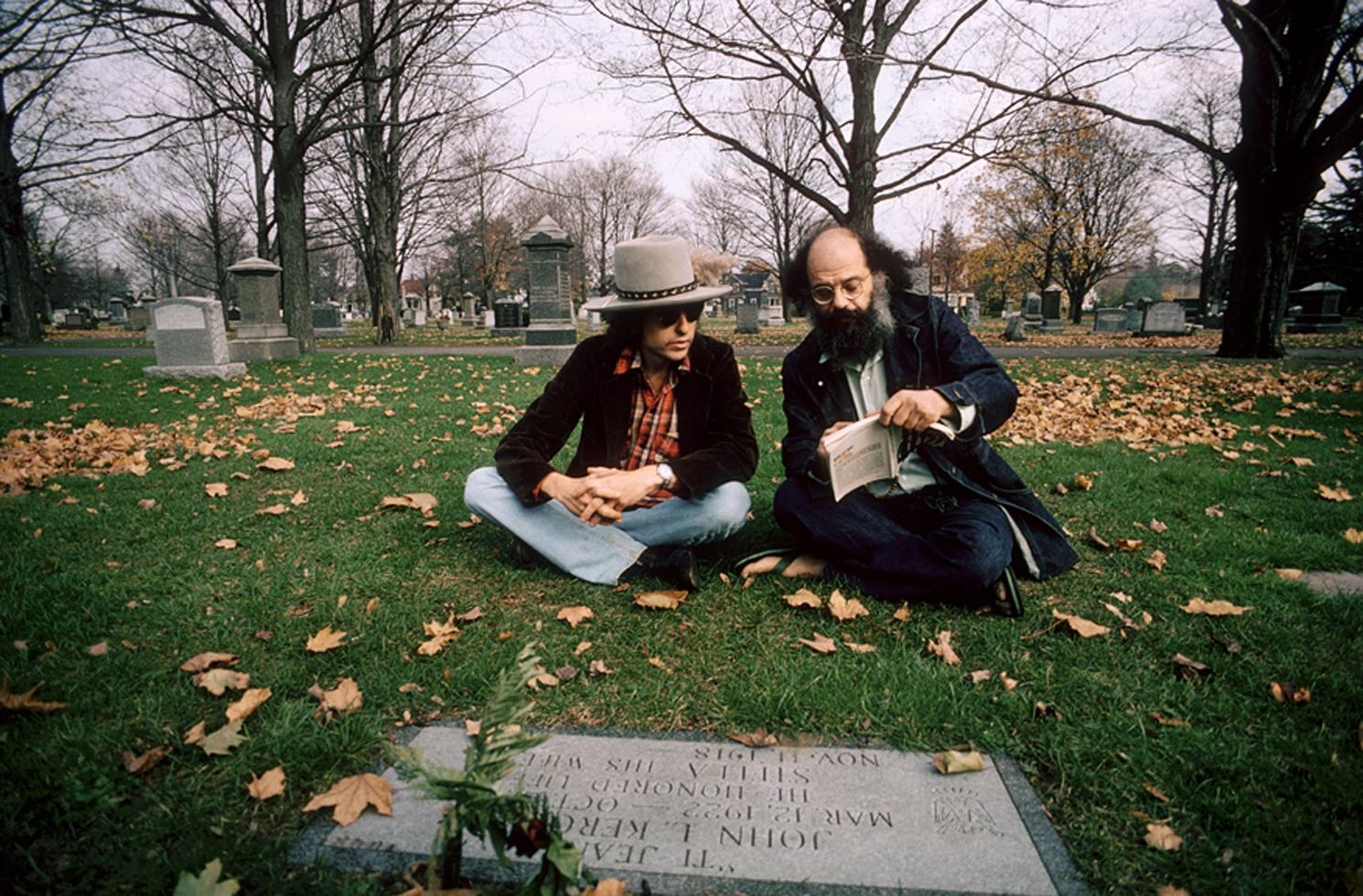 dylan and ginsberg at kerouac's grave