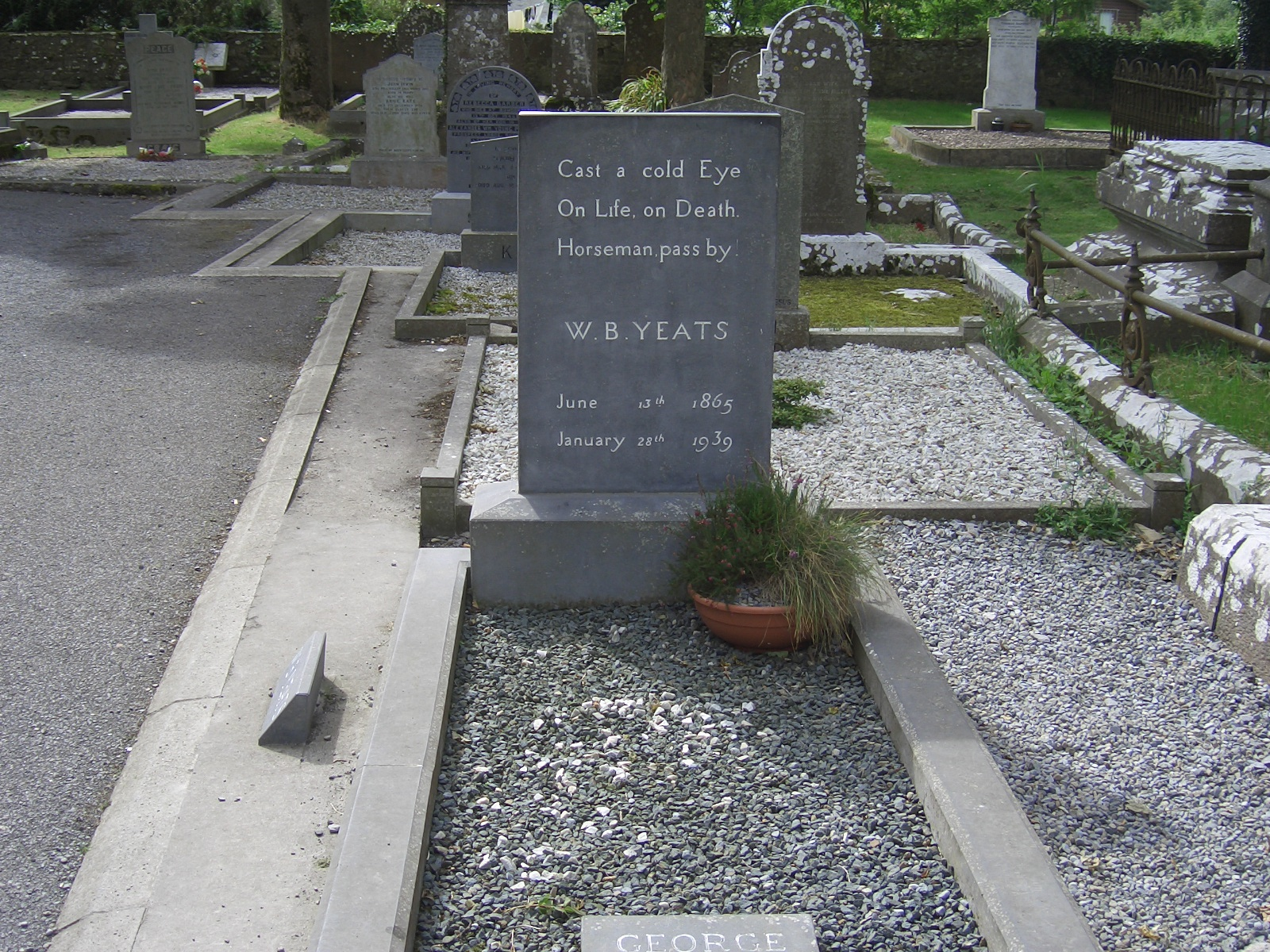 wb yeats grave