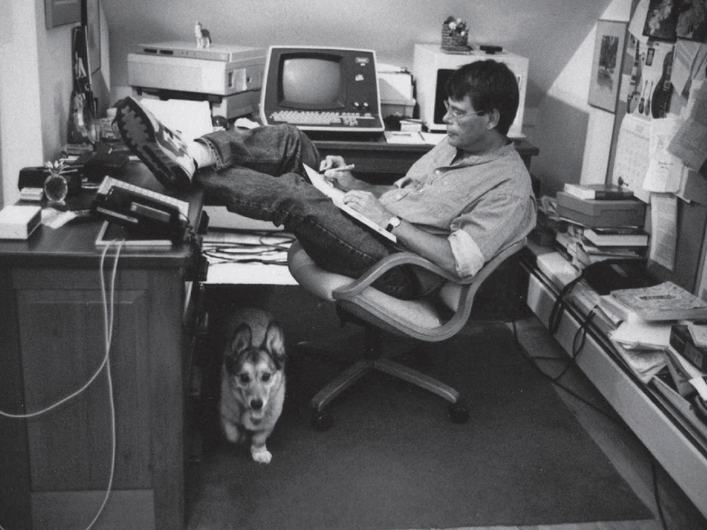 stephen king office dog