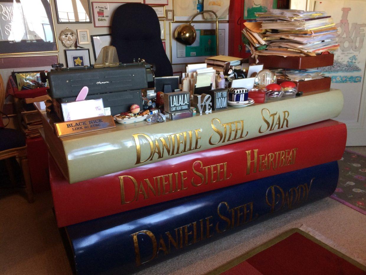 danielle steel's desk