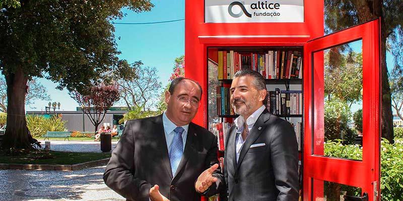 Jardim Manuel Bívar Garden Phone Booth, Faro, Portugal