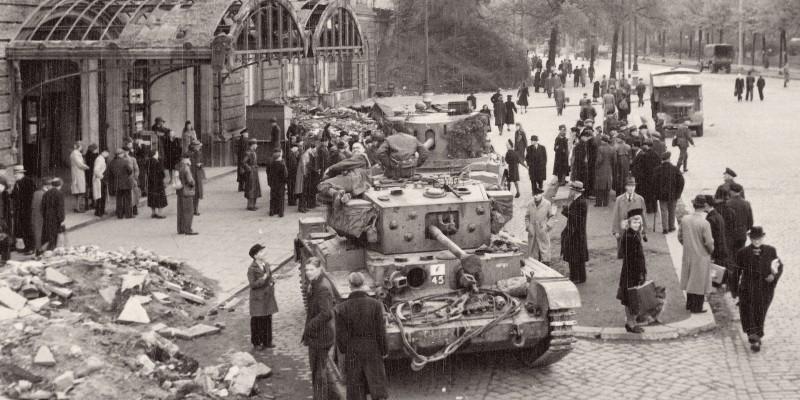 Berlin in 1946 Was a Cultural Battlefield Unlike Any Before ...