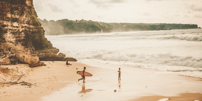 surf-noir-feat1.jpg
